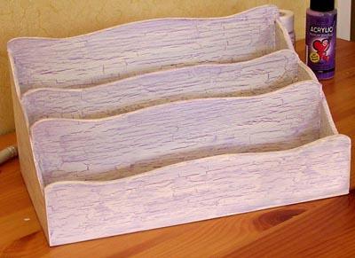 Décoration d'un range courrier en bois en utilisant du medium à craqueler