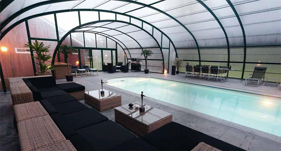 abri-piscine-intérieur