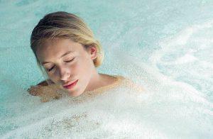 3 équipements indispensables pour le spa gonflable